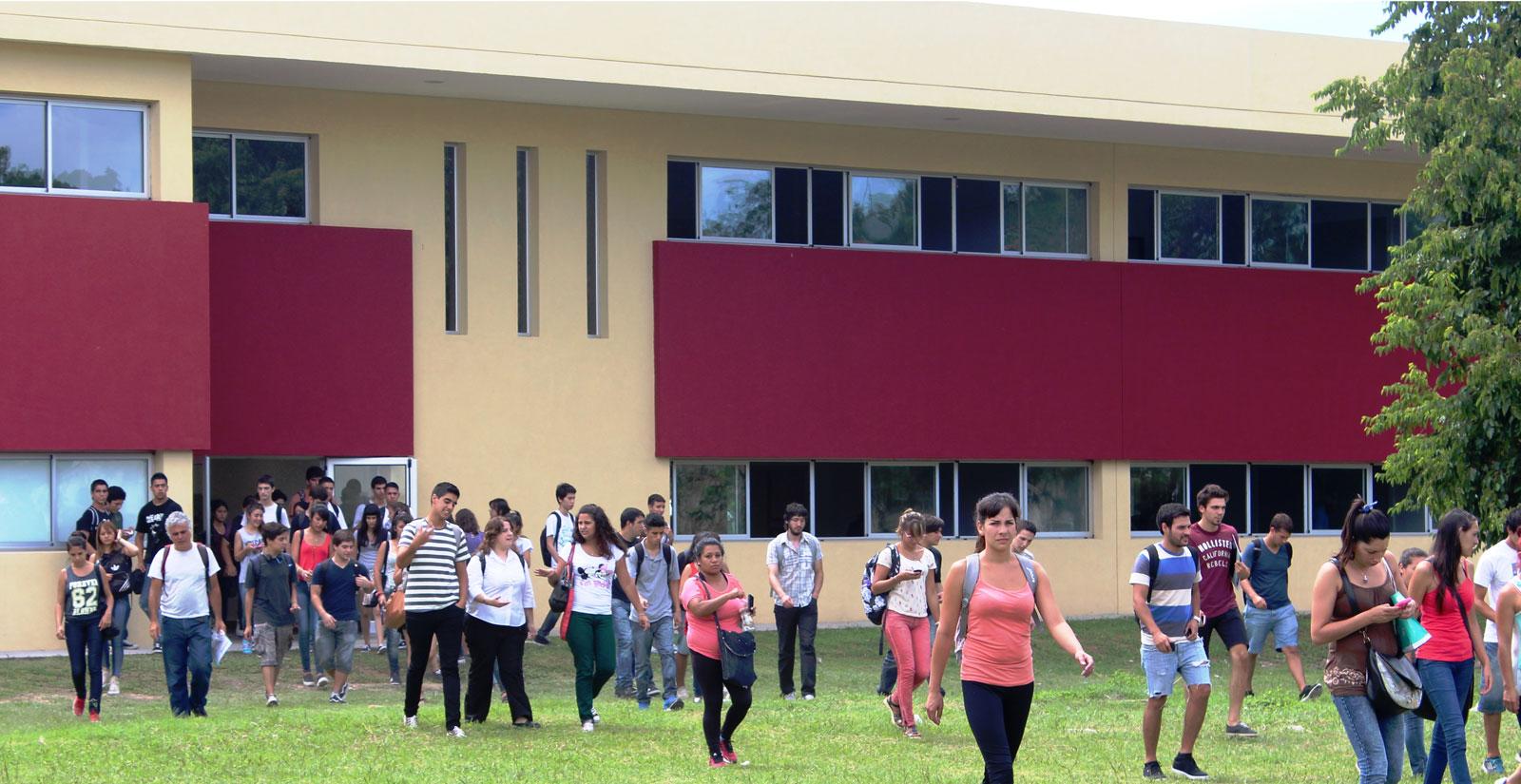 Aulas - Universidad Nacional de Moreno